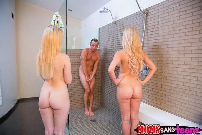 Mamá y mi hermana me pillan en la ducha - foto 3