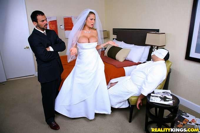 Vecina infiel casada y bien mojada - 3 part 7