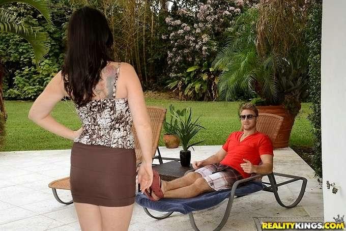 La tía se ha comprado un bikini nuevo - foto 2