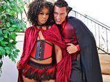 Marco Banderas, el vampiro chupacoños - Actrices Porno