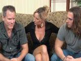 Convence a su marido para hacer un trio xxx - Casadas