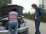 El coche le ha dejado tirada a la señora … - Casadas