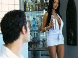 La mujer de mi amigo y su vestido blanco - Morenas