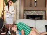 Pillo a mi hija follando duro con su novio - Trios
