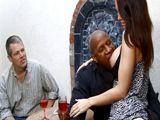 Mi amigo negro se folla a mi señora - Interracial