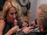 Jessica Drake follándose a un macarra - Actrices Porno