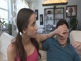 A la madrastra le mola calentar al novio de la hija - Madres