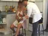 Ama de casa embarazada follada por el médico - Amas De Casa