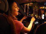 Joder con la taxista, vaya polvo que tiene !! - Actrices Porno