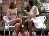 A la periodista madura le chiflan las jovencitas - Lesbianas