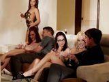 La reunión de amigos acabará en orgía - Orgias
