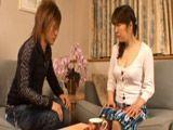 Se liga a un joven en la sala de espera - Asiaticas