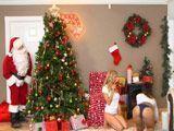 Papá Noel no se puede creer lo que está viendo ... !! - Zorras