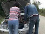 Si me arreglas el coche te dejo que me folles - Casadas