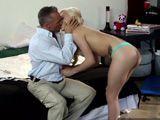 Encuentro sexual a fondo con el papá de mi mejor amiga - HD