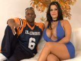 Angelina Castro grabando porno con un negro - Interracial