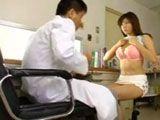 Madura manoseada por su ginecólogo - Asiaticas