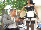 La camarera del hotel tiene mucho morbo - Morenas