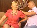 Qué guapa y qué sexy está usted hoy, abuela - Abuelas
