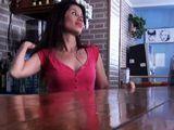 Nos ligamos a la camarera latina del bar - Morenas